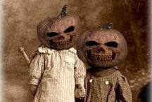 Halloween / by Candace Schweers