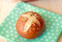 Breads & Rolls / by Sandy & Diana Hellard-Jessup