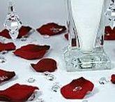 Wedding Table Confetti Ideas / Various confetti ideas to decorate wedding reception tables.