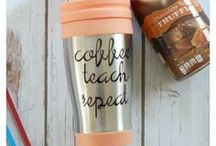 School Days & Teacher Appreciation / Back to School idea including what to pack for lunch, tasty afternoon snacks, and awesome teacher appreciation gifts!
