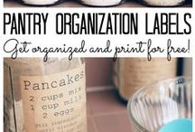 Printables / The best printables and downloads for everything from organization to parties and home decoration.