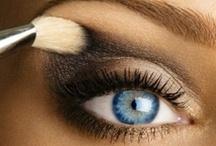 makeup ideas / by Aurelia