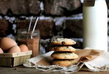Chocolate Chip Cookies / The search for the perfect chocolate chip cookie! Crunchy? Chewy? Loaded? Simple? www.sweetteasweetie.com
