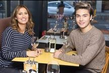 George Shelley & Ferne McCann at Zizzi! / George Shelley & Ferne McCann visited us in our Wigmore Street restaurant to try out the new Qkr! with MasterPass app! We've teamed up with Qkr! with MasterPass to give you a quicker & easier way to pay at your table straight from your mobile. Watch Qkr! with MasterPass in action with George Shelley and Ferne McCann - https://www.zizzi.co.uk/qkr