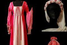 Bodas Temáticas / Vestuario en alquiler y confección de todo tipo de trajes y complementos para vestir tu Boda Temática