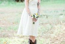Country Wedding Ideas / Country Wedding Dress, Western Wedding Ideas: Are you going to have a western country wedding theme? Have gotten your dream wedding dress and lovey cowboy boot? Speaking of a country wedding, it's casual and with lots of rustic charm and farm vibe, just like a beach wedding, a rustic ceremony can also make people feel relaxed and comfortable. And there is no better idea for the best country wedding attire than choosing a gown with simple design. >>GemGrace.com