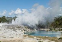 Natural Wonders of New Zealand / There is a remarkable variety of scenery in New Zealand - from fjords to mountains, hot springs to volcanoes. And one or two oddities as well!