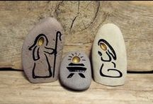THE CRAFTS-PAINTED ROCKS, STONES & PAPER WEIGHTS / WASH, PAINT AND USE. / by Sue Lodmill