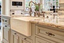 {Kitchens} / Amazing kitchen designs that inspire us all.
