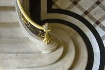 S T Y L E ▄ A R T  D E C O / interior style / стили :Ар-деко - это ваш стиль если : ✜ вы предпочитаете утонченную роскошь, «блеск», элегантный комфорт ✜ вам по душе скругленные линии, строгие формы и геометрические узоры ✜ вам нравятся цветовые конрасты: черный, белый и коричневый (оттенки древесины), оливковый, сливочный,в сочетании с серебром и золотом ✜ в отделке вы предпочитаете экзотические материалы ( редкие породы дерева, кожа акулы, крокодила, слоновая кость), металл (аллюминий, серебро), использование лаков, эмалей