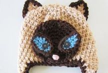 Free cat hat tutorials / Kitty cat hat patterns for crochet or knitting.