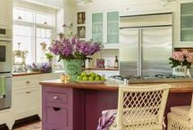 Kitchens + Outdoor / Kitchens and outdoor cooking spaces
