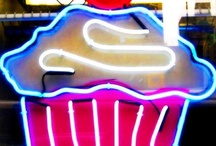 Cupcakes / They make people HAPPY!