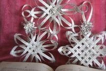 Book Page & Paper Ornaments / Ways to use old book pages to make new ornaments