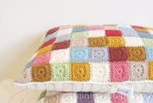 Cozy Pillows / We need these pillows in our living room! / by Tree Craft Diary