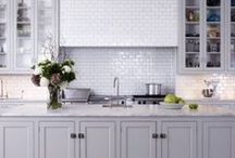 Kitchen Designs To Die For! / Kitchen designs and kitchen ideas for your inspiration. Features many #white kitchens, kitchen cabinets, island benches, benchtops, storage ideas and much more.