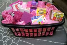 Gift Baskets / by Melissa Gross