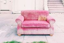 • Pink details •