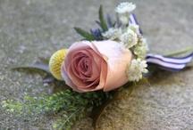 Ślubne kwiatowe drobiazgi