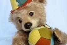 Artist Teddy Bears / Beautiful artist teddy bears