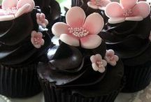 Cupcakes! / by Mary Tiso
