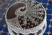 Cake decorating / by Mary Tiso