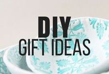 DIY Gift Ideas / Making gifts is very thoughtful and personal. Friends and family love knowing that you put in a lot of thought and effort into making them something they will love! Find the perfect gift to make your loved ones or coworkers her on this board! #diy #giftideas #gifts #doityourself #ideas #inspired #inspiring #friends #presents #homemade