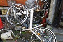 sad bici / 自転車が泣いている「しくしく」
