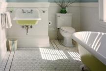 Bathroom / by Mariana Filippov