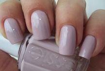 Nail polishes & tips