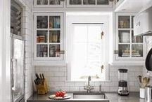 kitchens / by Molly Cornwell