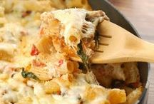 Pasta Recipes / So many amazing and different flavors of pasta! / by Lisa (Wine & Glue)
