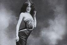 corset / by Alysia Gagliano