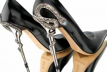 Shoes to Die for / Killer heels, stilettos and divine fashion footwear.  / by Susanne Bellamy
