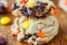 desserts are my fav / by Michelle Warren