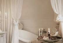 Bathrooms / by Beverly Cabaday