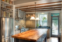 Kitchens / by Beverly Cabaday