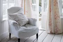 w o n d e r f u l l y . w h i t e / linens, laces ... lovely things and places / by Monica Roberts