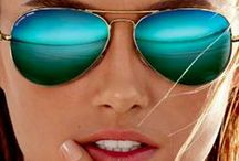 Sunglasses / Sunglasses: Trends, classic styles, brands we love.