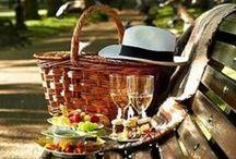 o n  o p e n  a i r / fresh air, good food and a checkered tablecloth.