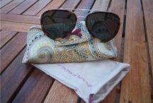 Accessoarer /Accessories / Hotta upp din outfit med en snygg accessoar! Här hittar du allt från solglasögon, smycken och huvudbonader!