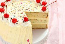 Cake delight / by Bilie Parispeaches