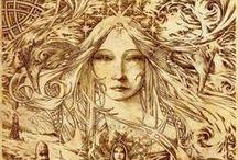 Diosas / Apartado dedicado a las deidades femeninas de todas las culturas.