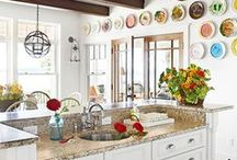 Plate and Gallery Walls / plates hung together look super / by Dyna Bailey