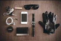 Every Day Carry / Photos of the things men and women carry.