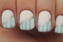 nails / by Liz Conklin