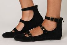 Zapatos/Shoes / by Teresa Cebrián