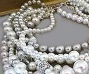 Chunky, Bold, Statement jewelry accessories / Wedding Chunky Necklace - Bridal Pearl Necklace - Bridesmaids Necklace by Sukran on Etsy