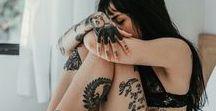 Tatouages - Tattoos / Si vous cherchez l'inspiration pour un futur tatouage, vous la trouverez certainement ici ! Que ce soit des tatouages fins et floraux, sailor jerry ou même du tribal, je sélectionne les plus beaux tatouages sur ce tableau.