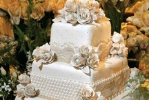 WEDDING CAKES / admit it, you go to see the dress & eat the cake... / by Stacey